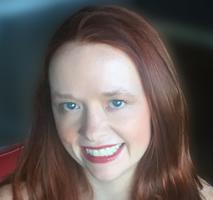 HollIie Overton Author Photo -2
