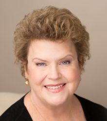 harris-charlaine-author-photo-master-1-hi-res-credit-captures-by-erin